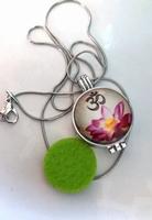 Aroma / parfum ketting met hanger bloem ohm