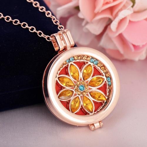 Aroma / parfum ketting met hanger bloem gold